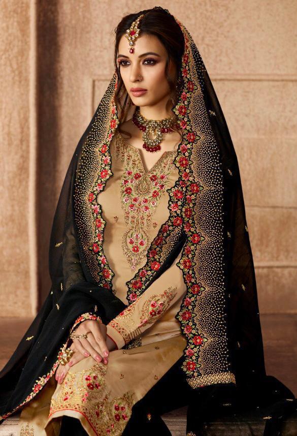 Glossy Hidayat New Designer Wedding Lehenga Wholsale