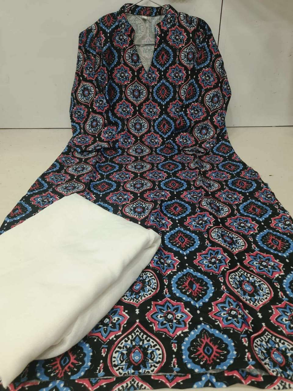 DESIGNER DAILY WEAR COTTON DIGITAL PRINT KURTI WITH PANT IN SINGLES